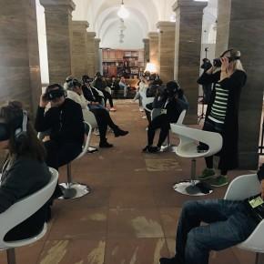"Alles dreht sich: Vier Erfahrungsberichte zu den Virtual Reality-Filmen des ""open frame award"""